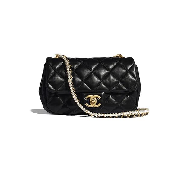 Chanel Flap Bag Calfskin Crystal Pearls & Gold-Tone Metal black
